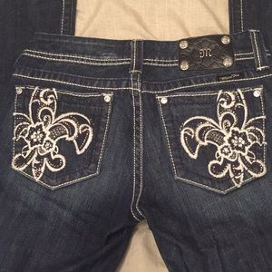 Miss me jeans 28 dark fleur de lis bling pockets